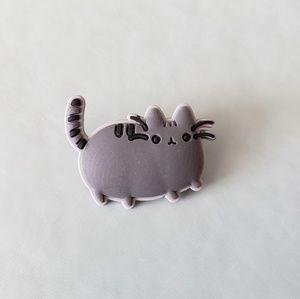 {5/$25} Pusheen pin